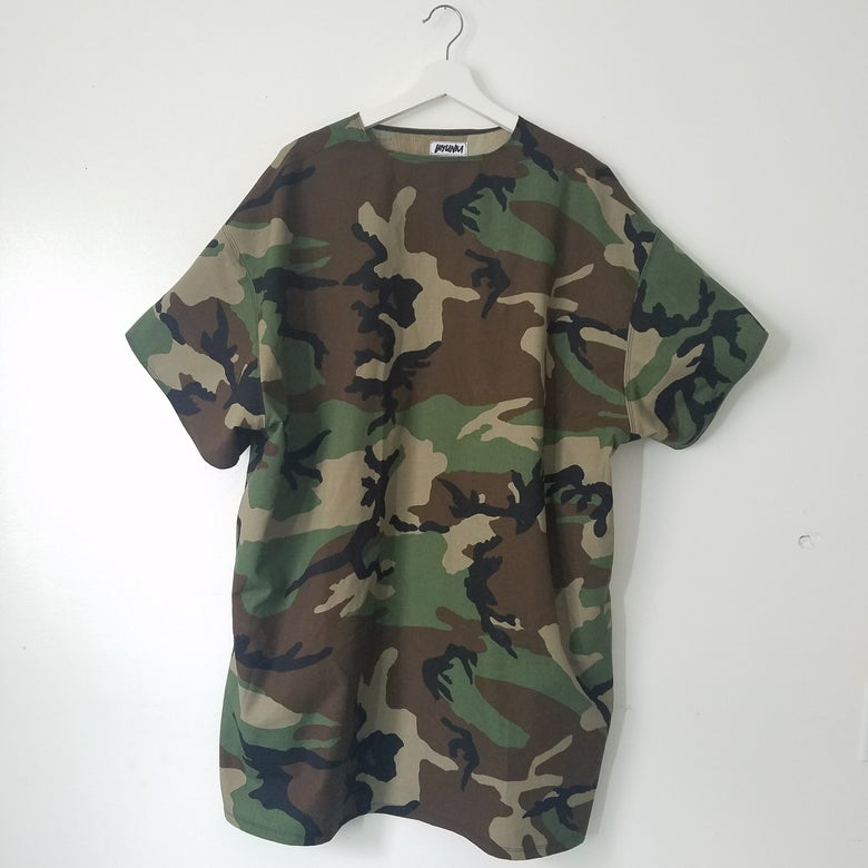 Image of Camo T-shirt with Side Pockets
