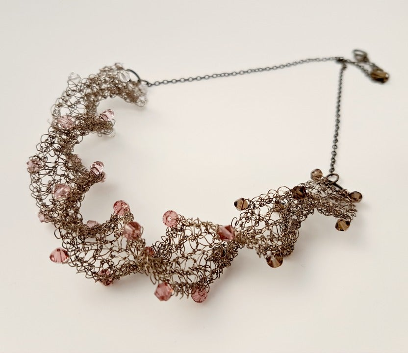 Image of Wire Twirl Necklace Knitting Kit - Vintage Rose