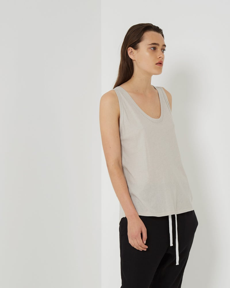 Image of Assembly Label Curve Singlet in Flax