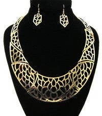 Image of DESIGN CRESCENT BIB NECKLACE SETS