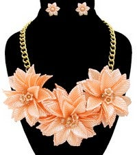 Image of BLOOMING FLOWER NECKLACE SET