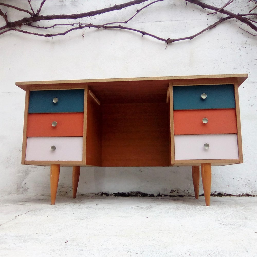 Image of Bureau 6 tiroirs vintage