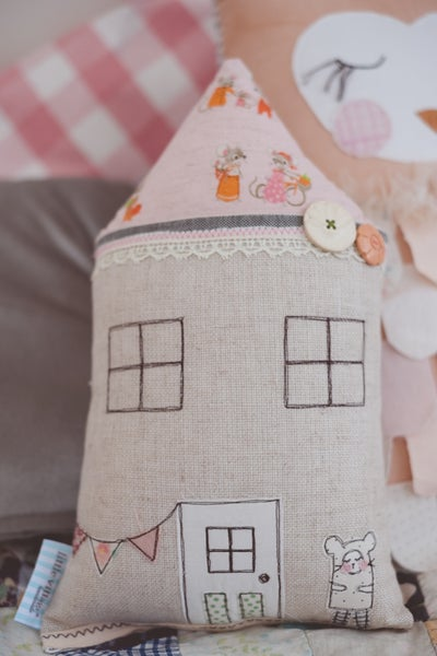 Image of Petite mouse cushion