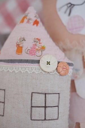 Image of Petite mouse cushion