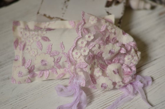 Image of Light lavender/cream high fashion lace pillow and bonnet set