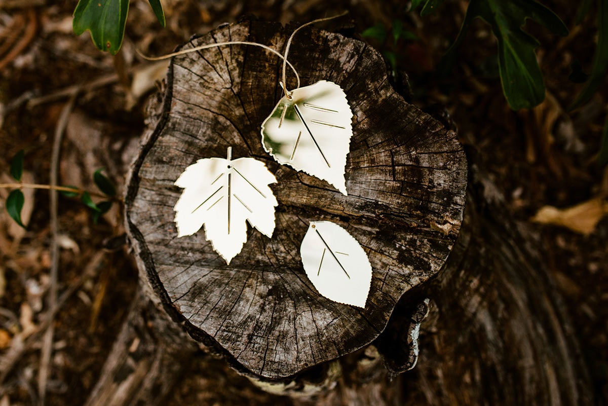 Image of Set of 3 AUTUMN LEAVES | GOLD MIRROR OR RAW WOOD
