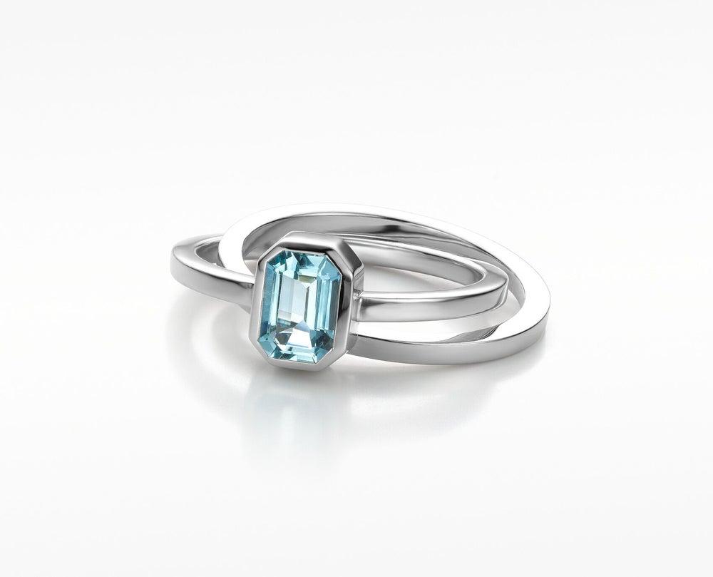 Image of Pure Line ring with aquamarine