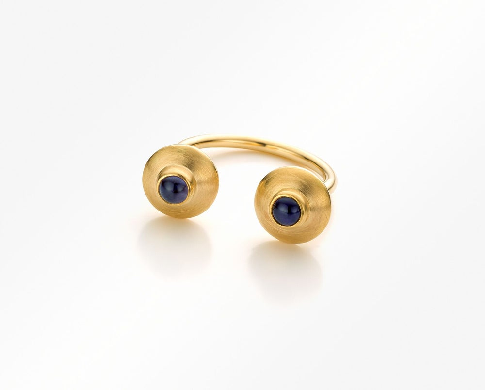 Image of Pure Line ring in gold and blue iolite