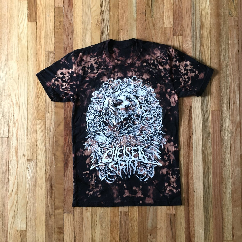 Image of Bleach Skull Wreath tee