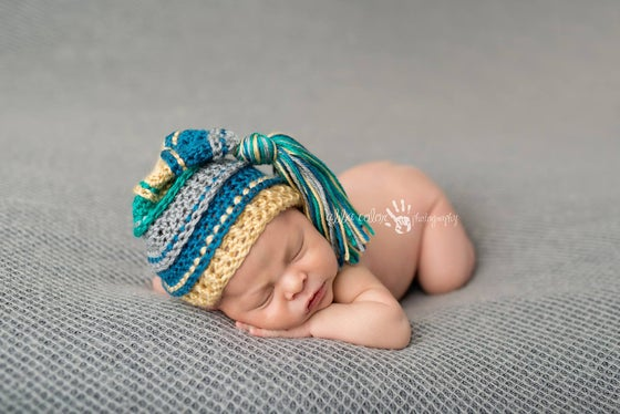 Image of Gray, Ocean, Gold and Teal Tassel Hat