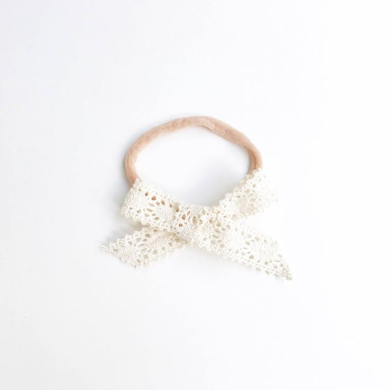 Image of Off White Vintage Lace Headband