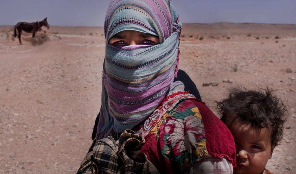 Image of Berber Woman with Child - Western Sahara