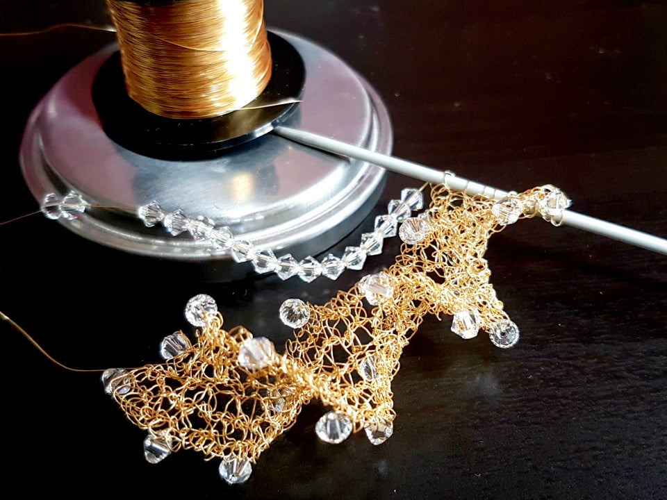 Image of Wire Twirl Necklace Knitting Kit - Gold
