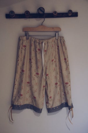 Image of Wash day Monday's Size L cabbages and roses
