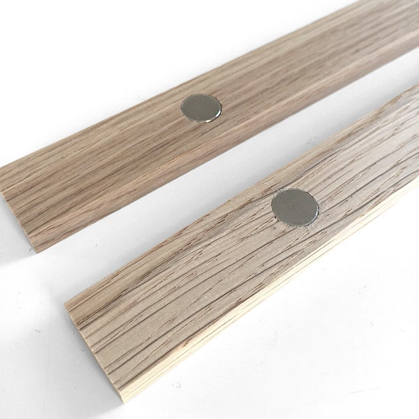 Image of Magnetic Oak Frame A4, 21 cm