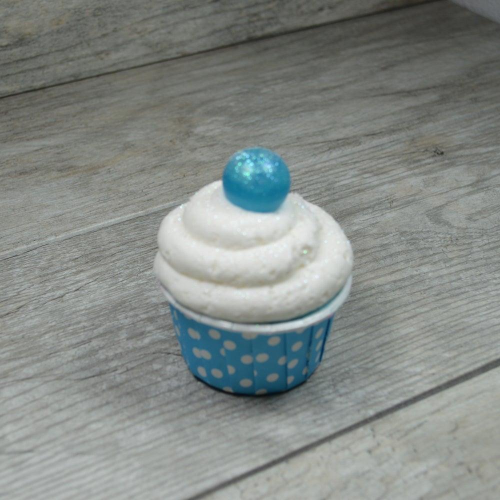 Image of Snowflake Sparkle Bath Bomb Cupcake