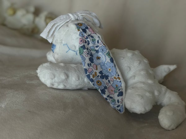 Image of Doudou Varicelle Blanche / Liberty Betsy Denim noeud blanc