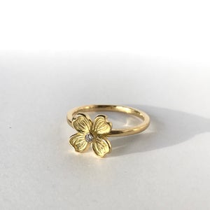 Image of Dogwood Single Flower 18K Diamond Ring