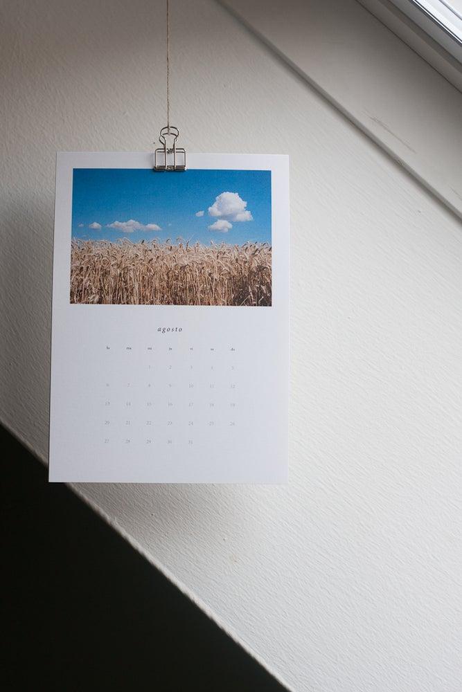 http://latienditadelamarmota.bigcartel.com/product/calendario-de-la-marmota-2018