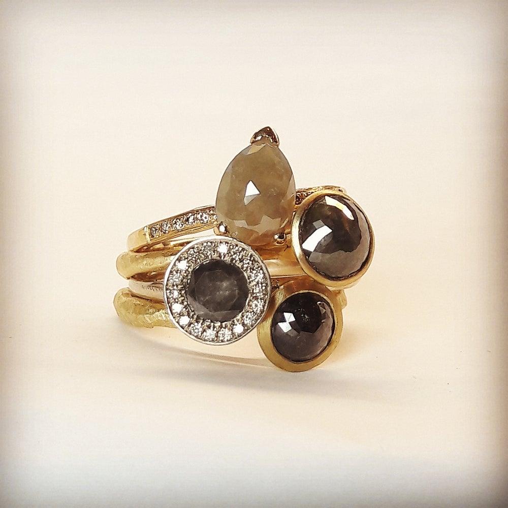 Beeld van Black diamond rings