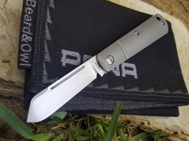 Image of Barlow Slipjoint with lanyard hole.