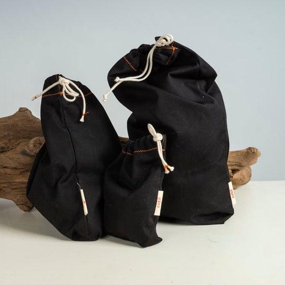 Image of Pack de 3 bosses negres (una mida de cada) / Pack de 3 bolsas negras (una medida de cada)