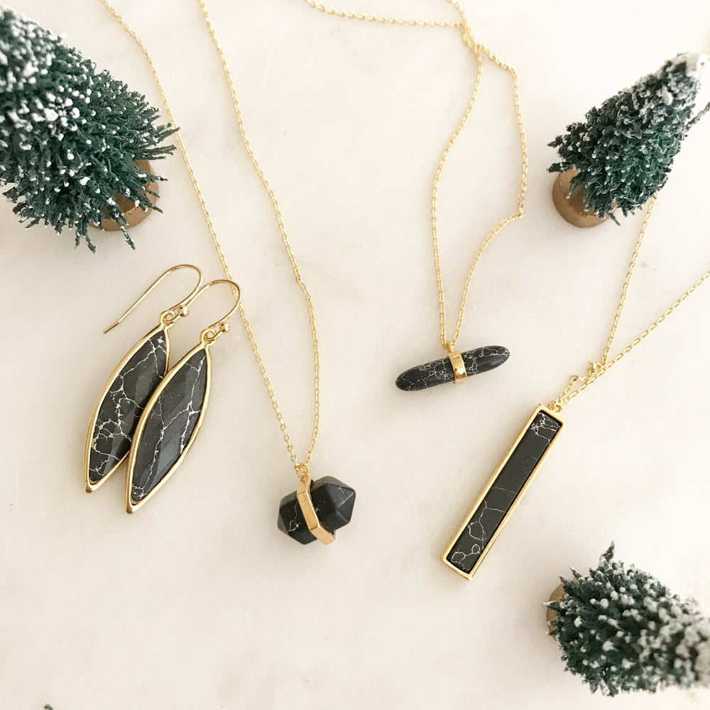 Image of Skinny black marble necklace