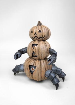 "Image of HALLOWEEN  ""Beneath The Harvest"" Pumpkin Crab - Vinyl Figure"