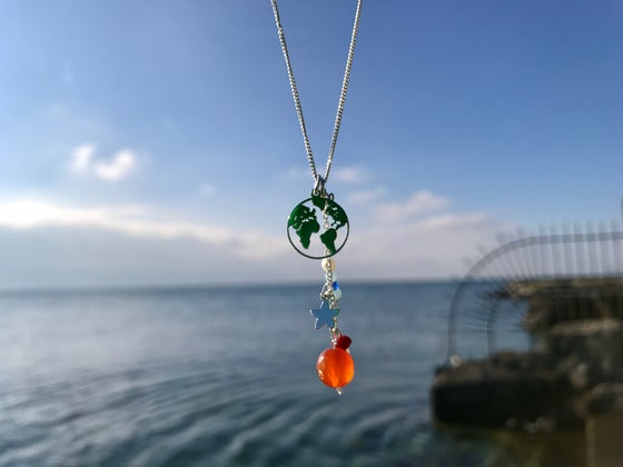 Image of Sterling silver chain and globe pendant, silver star and coral, agata, aquamarina, perl, labradorite