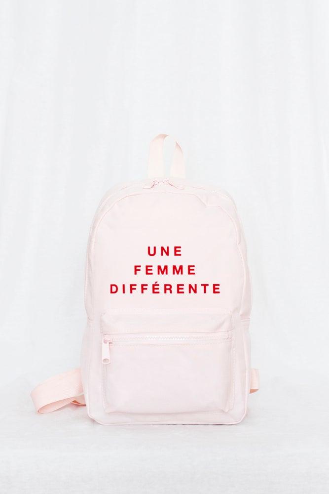 Image of Mochila Une Femme Différent