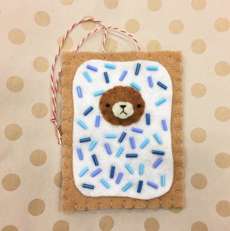 Image of 2017 incognito bear ornament // pop tart