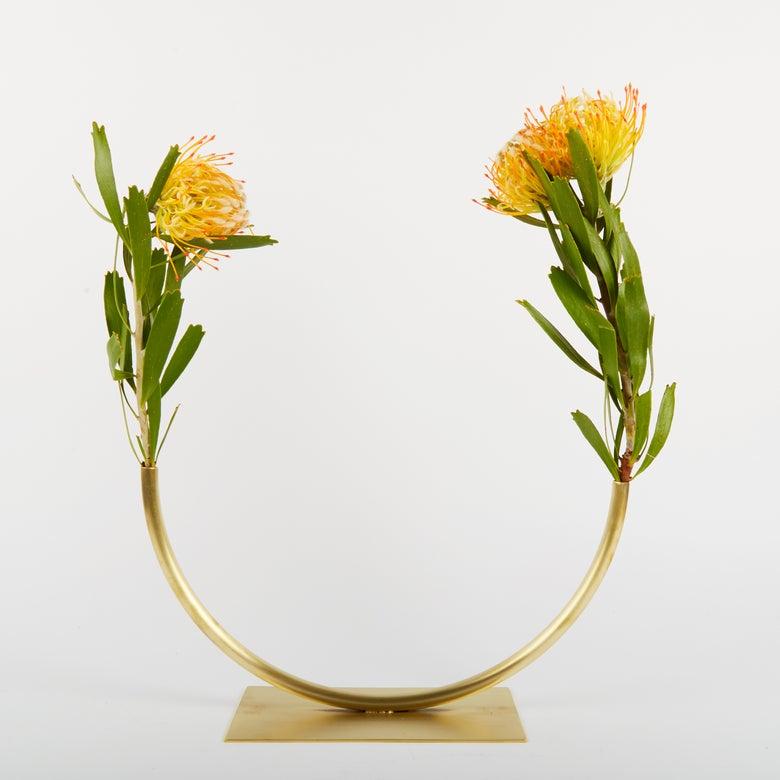 Image of Vase 440 - Halfway to a Circle Vase