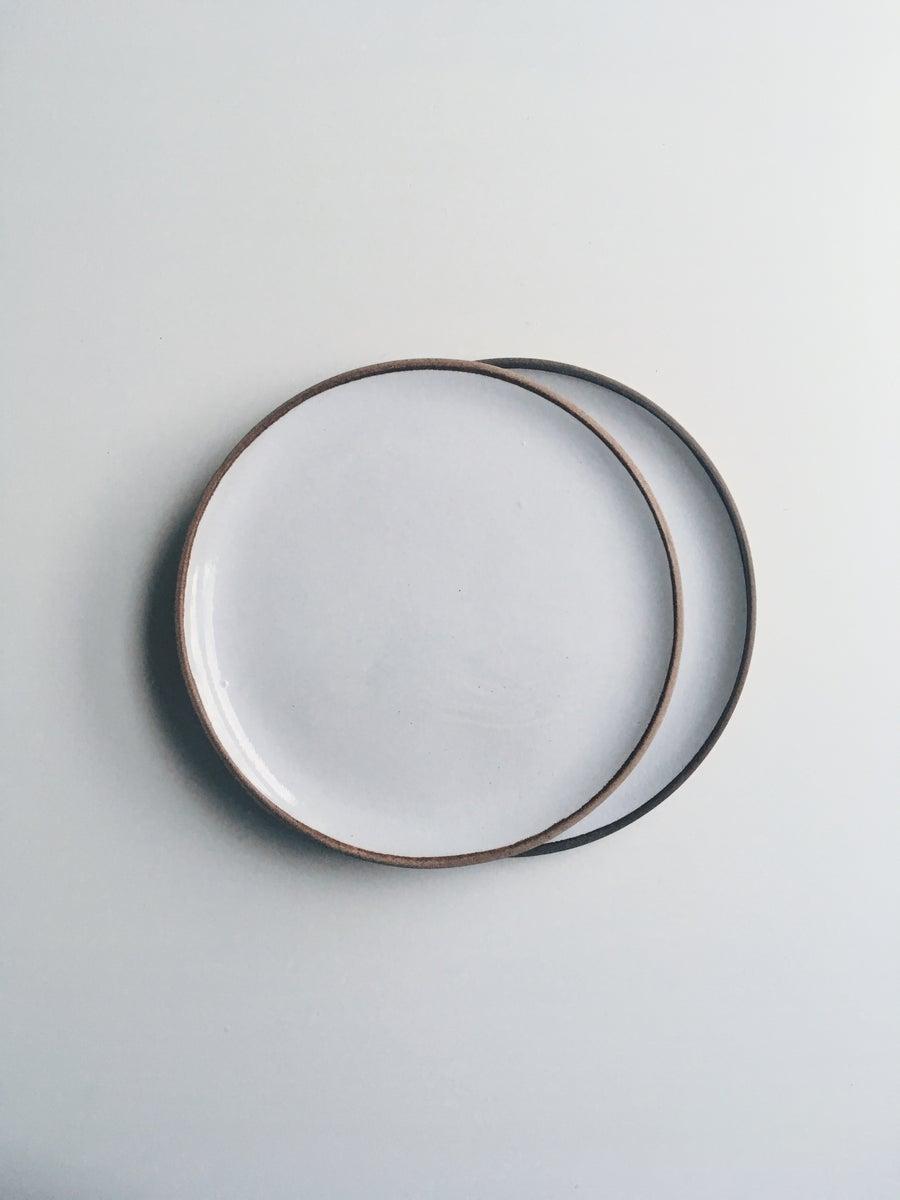 Image of Set of 2 Medium Plates