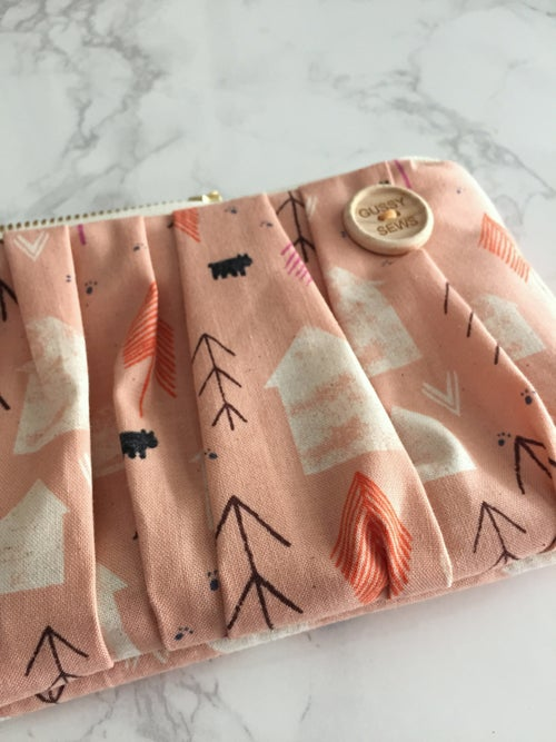 Image of Peachy Cabin medium zip