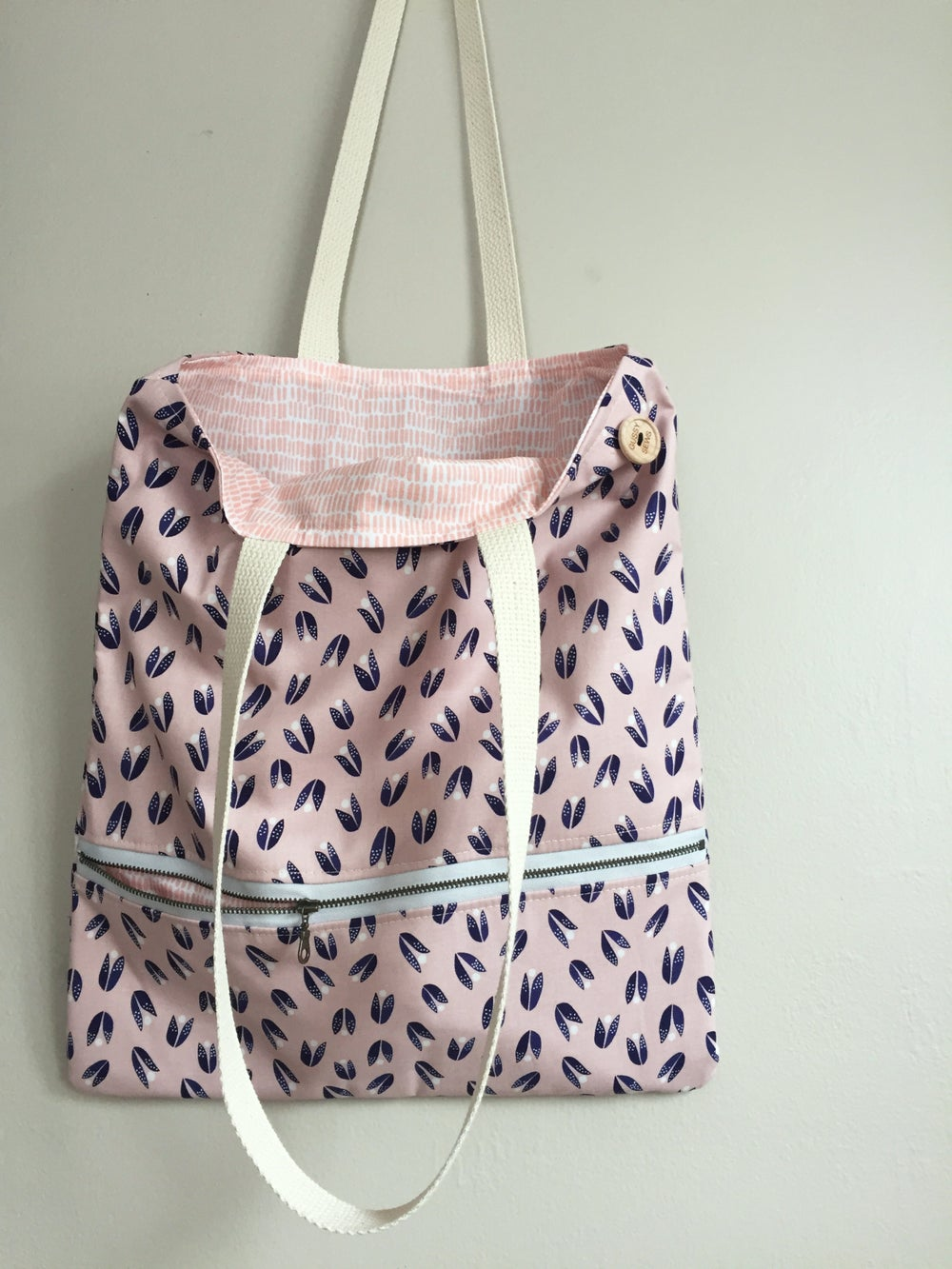 Image of Blush & Navy Everyday Bag