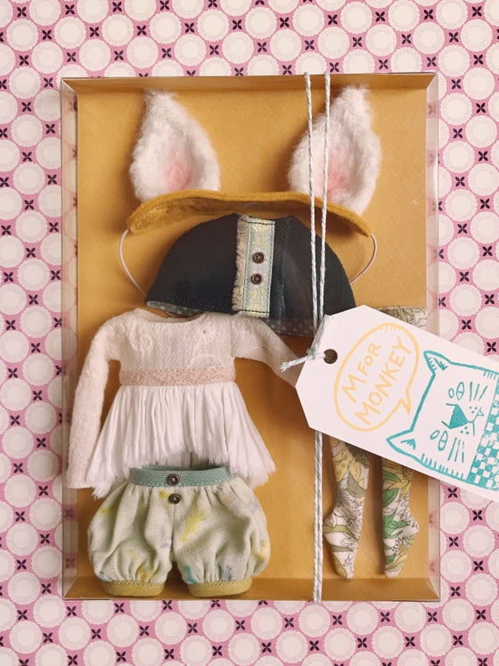 Image of Cosy Kitty set for Neo Blythe (mustard)