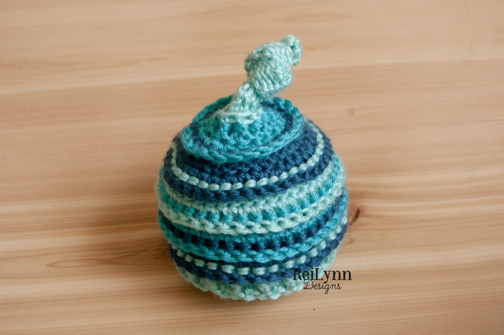 Image of Aqua, Turquoise, and Ocean Knotty Beanie