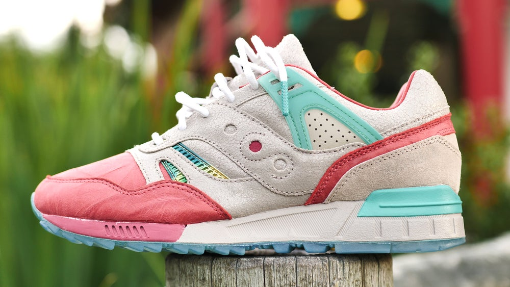 """Image of """"Jade Temple"""" SAUCONY G.R.