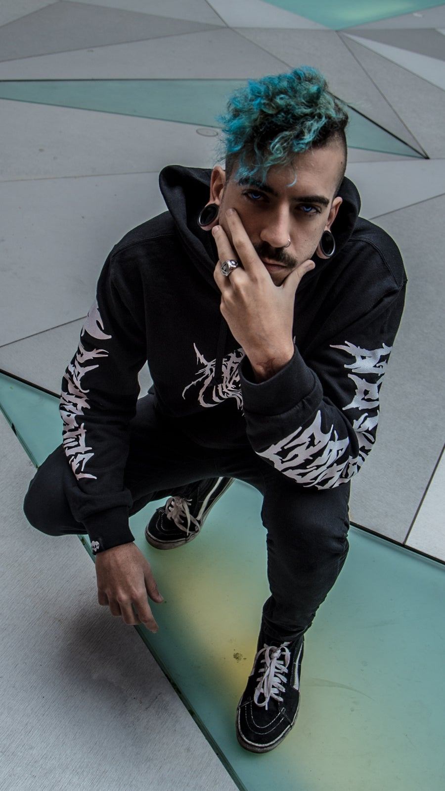 Image of Sudadera Reptil. Destroy to Recreate BLACK