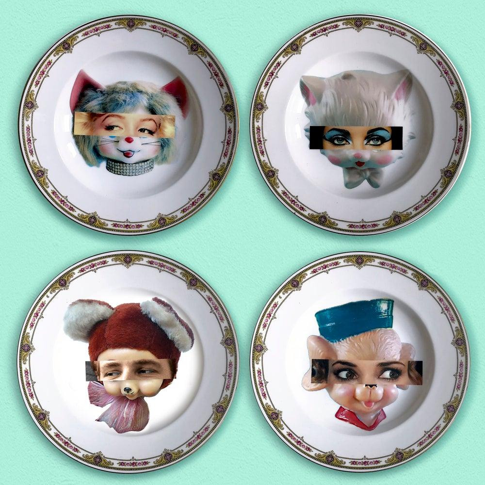 Image of Marlon Kitsch Face - Vintage Porcelain Plate - #0579