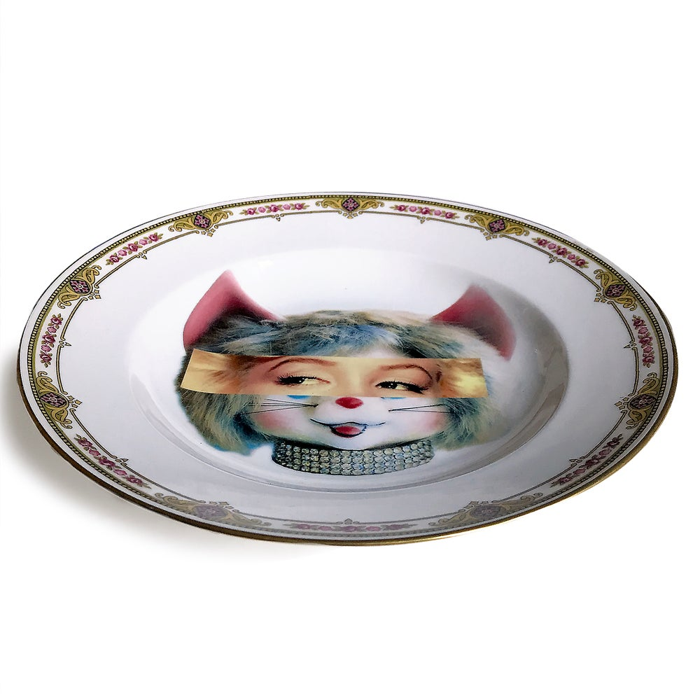 Image of Eyeconic - Marilyn Kitsch Face - Vintage Porcelain Plate - #0579