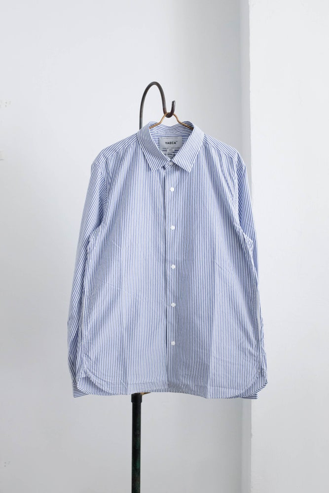 Image of YAECA MEN - Comfort Shirt Standard BLUE STRIPE