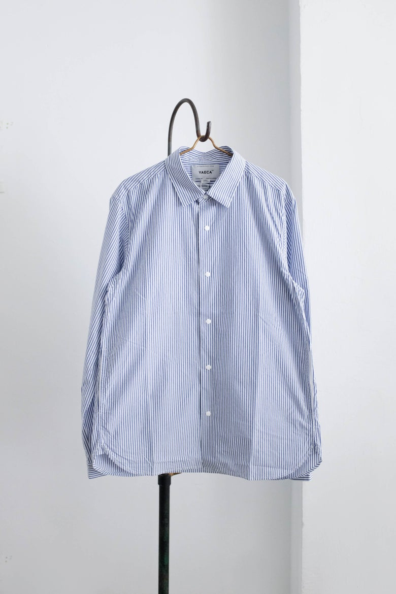 Image of YAECA MEN - Comfort Shirt Standard BLUE STRIPE
