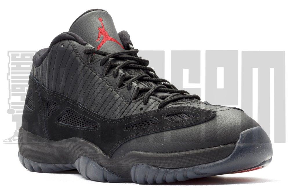 "Image of Nike AIR JORDAN 11 RETRO LOW ""REFEREE"""