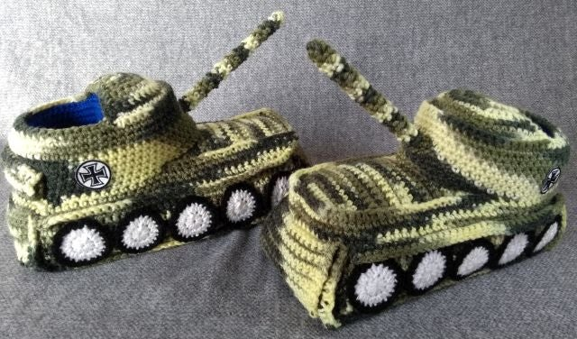 """Image of Panzer Hausschuhe / Tank Shoes """"Camouflage"""""""