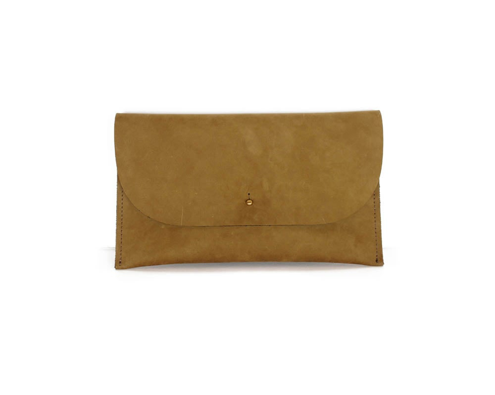 Image of NICOLE CLUTCH