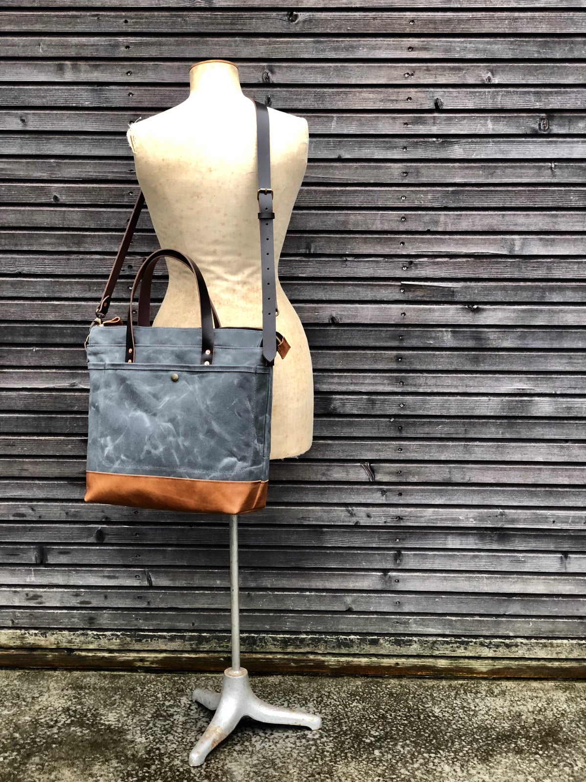 Image of Waxed canvas tote bag - carry all - diaper bag with padded laptop compartment COLLECTION UNISEX