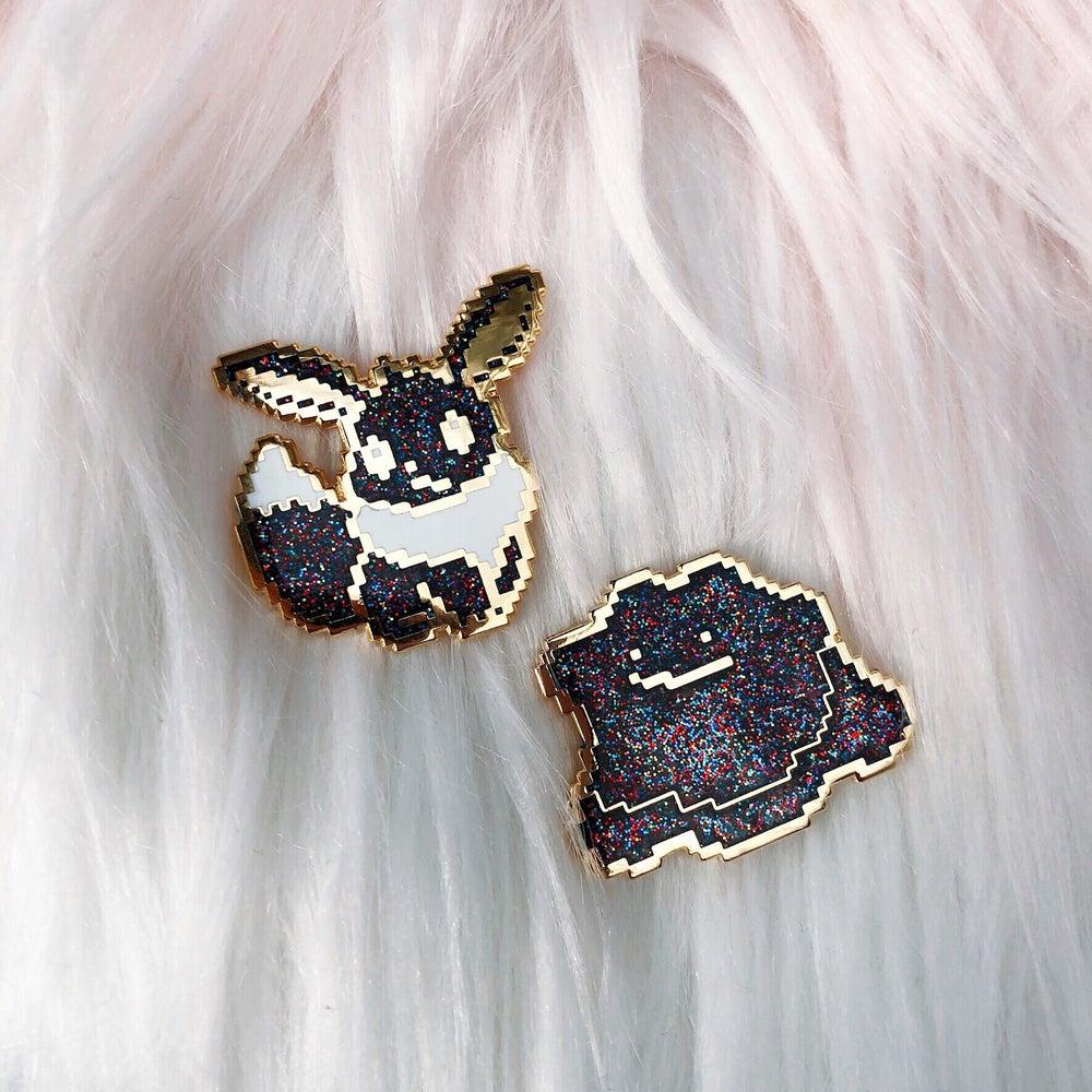 Image of LE100 Galaxy Eevee Enamel Badge