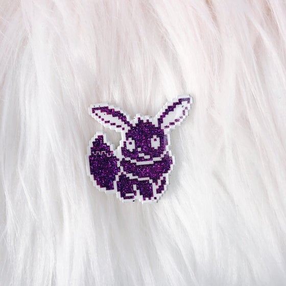 Image of LE100 Eevee Enamel Badge