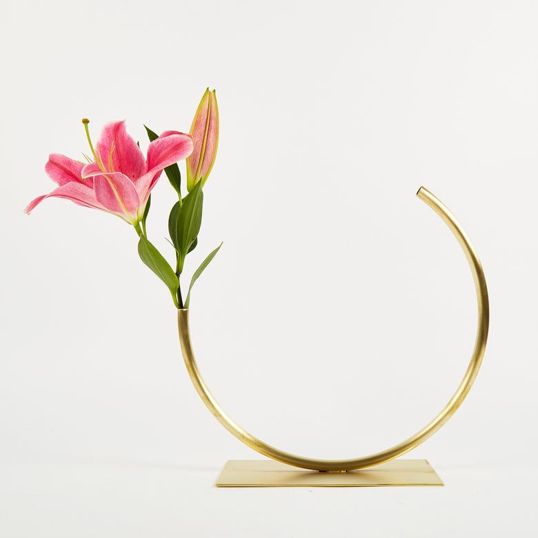 Image of Vase 498 - Edging Over Vase